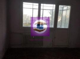 Apartament cu 2 camere semidecomandat in zona Podu Ros - Podul de piatra